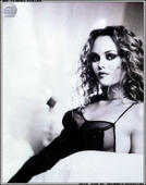 Vanessa Paradis OK Ankit, I'll kick start the thread for you: Foto 23 (Ванесса Паради ОК Ankit, я Kick Start потока для вас: Фото 23)